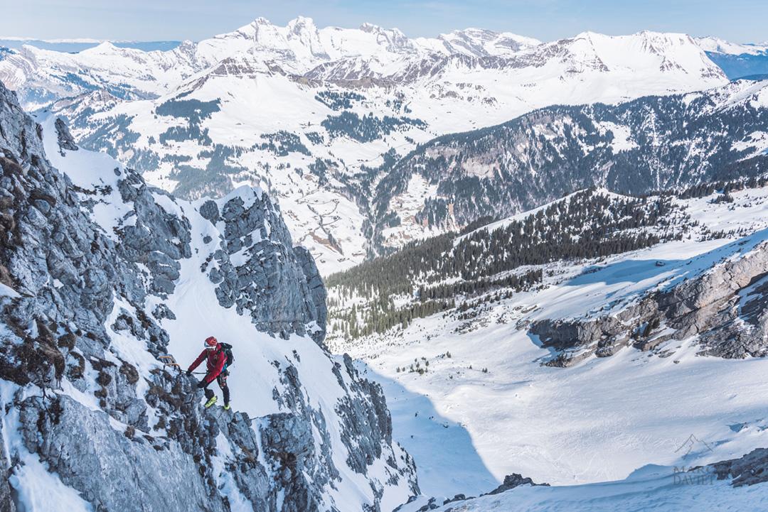 Vu sur le massif du Jalouvre depuis Aravicimes.