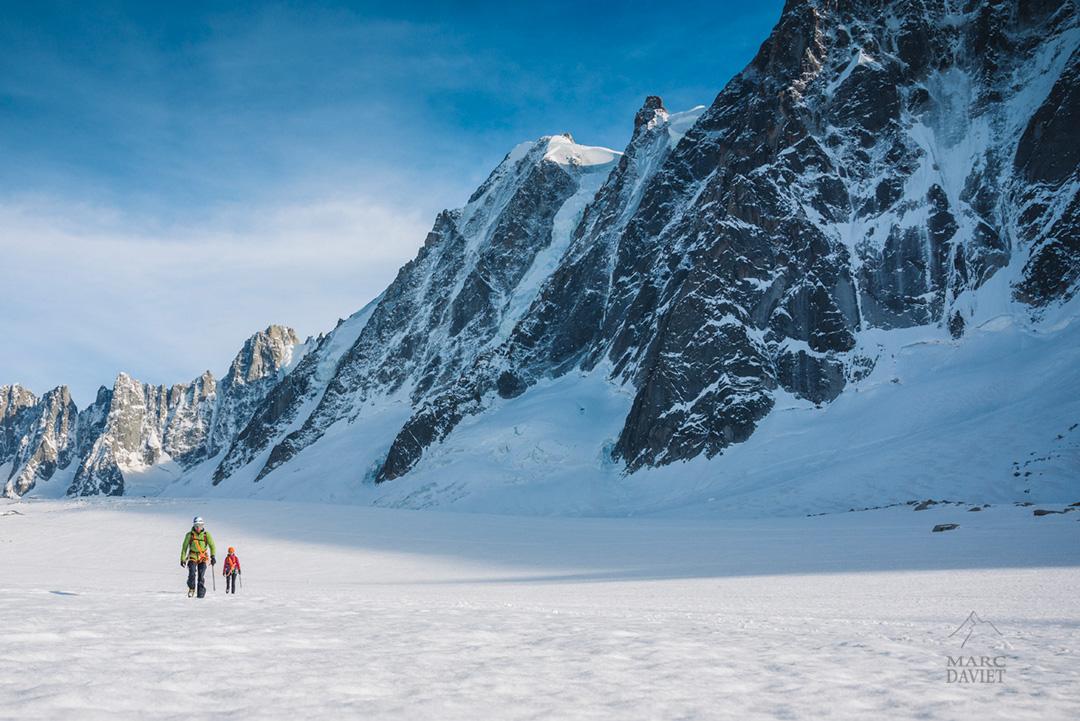 Glacier d'Argentière au pied des Droites et des Courtes.