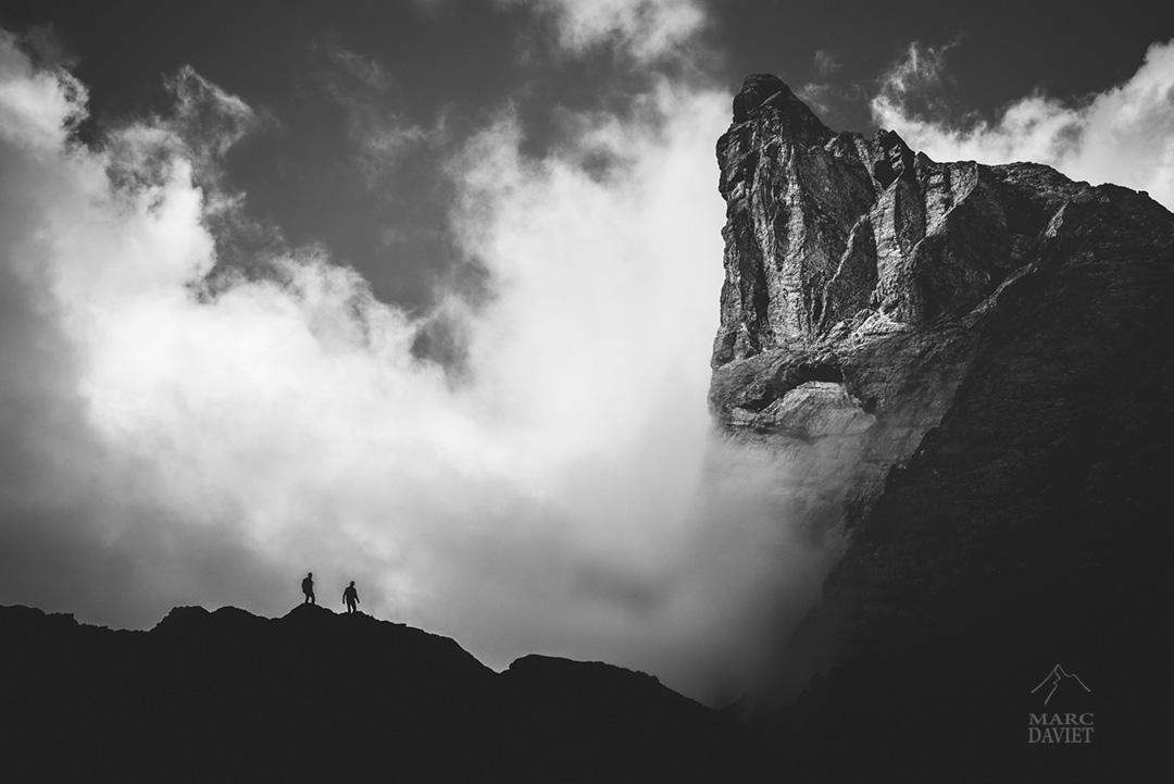 Alpinistes et nuages du côté des Aiguilles d'Arves.