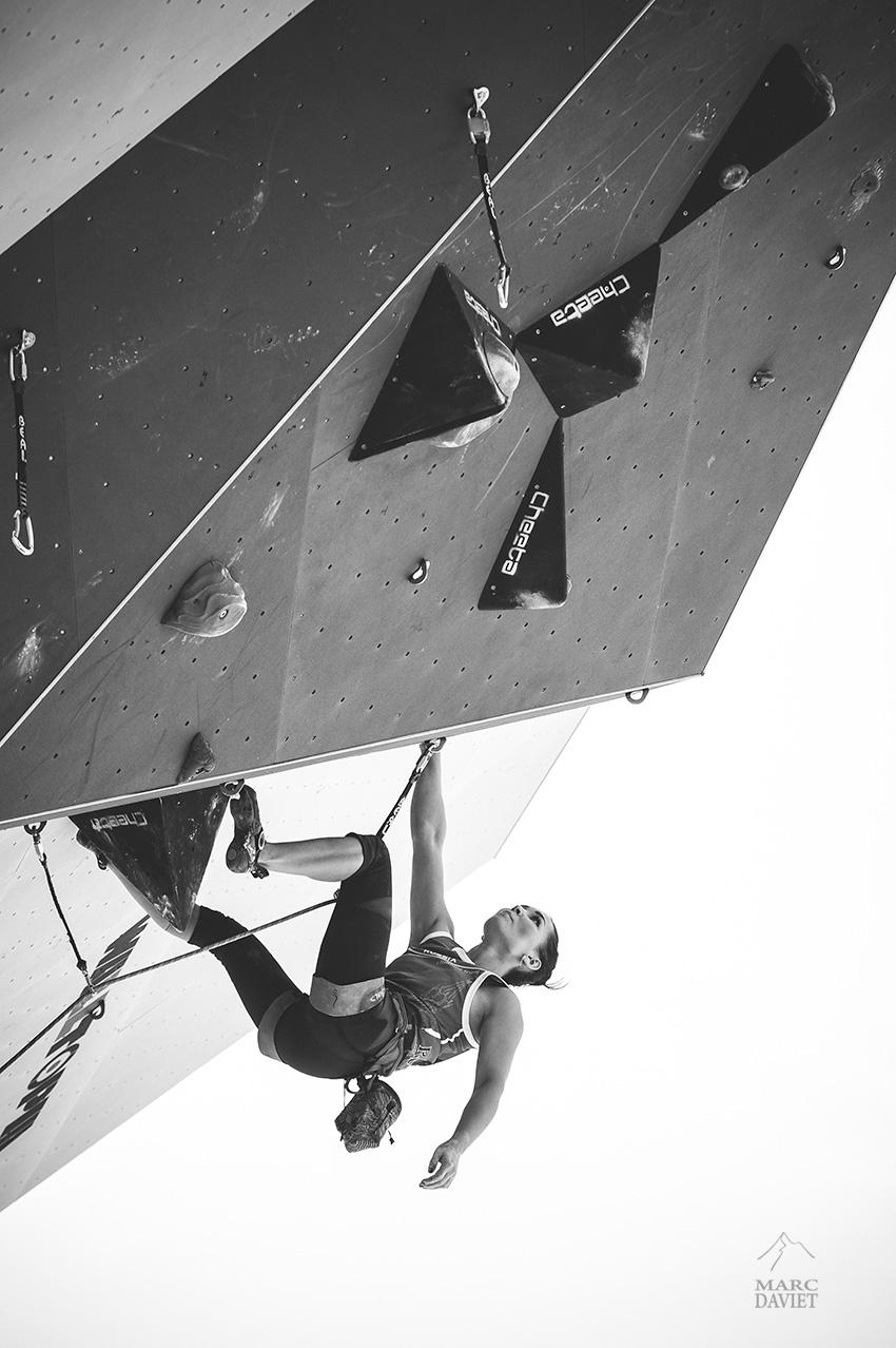 Dinara Fakhritdinova à la coupe du monde d'escalade de Chamonix.