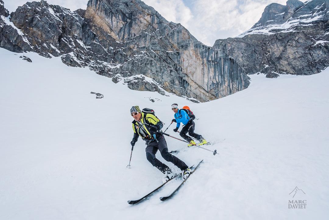 Ski dans la Combe à Marion dans les Aravis.