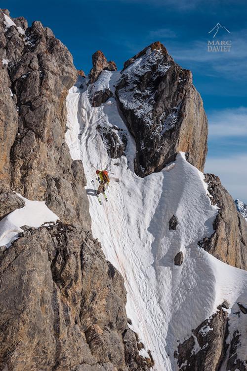 Descente en rappel en ski