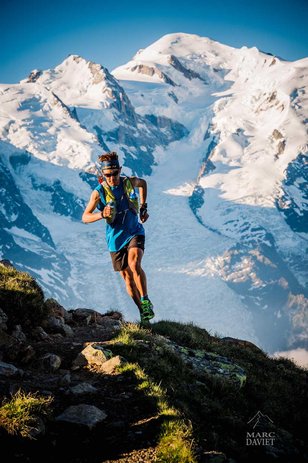 Xavier Thévenard devant le Mont-Blanc